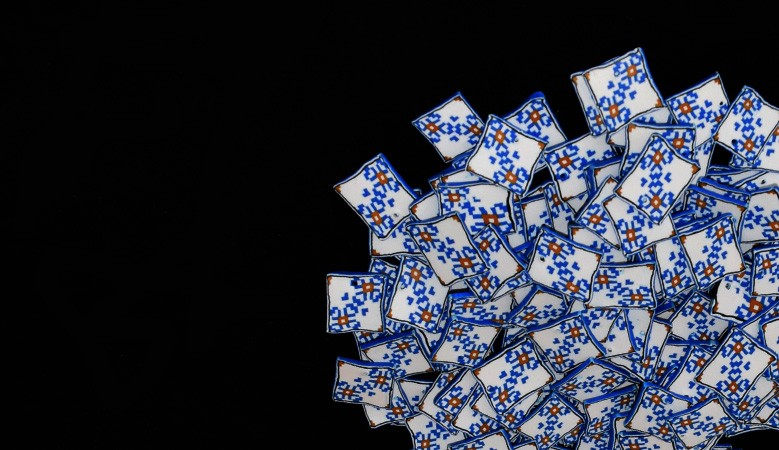 "Martisor traditional ""rauri de flori albastre"""